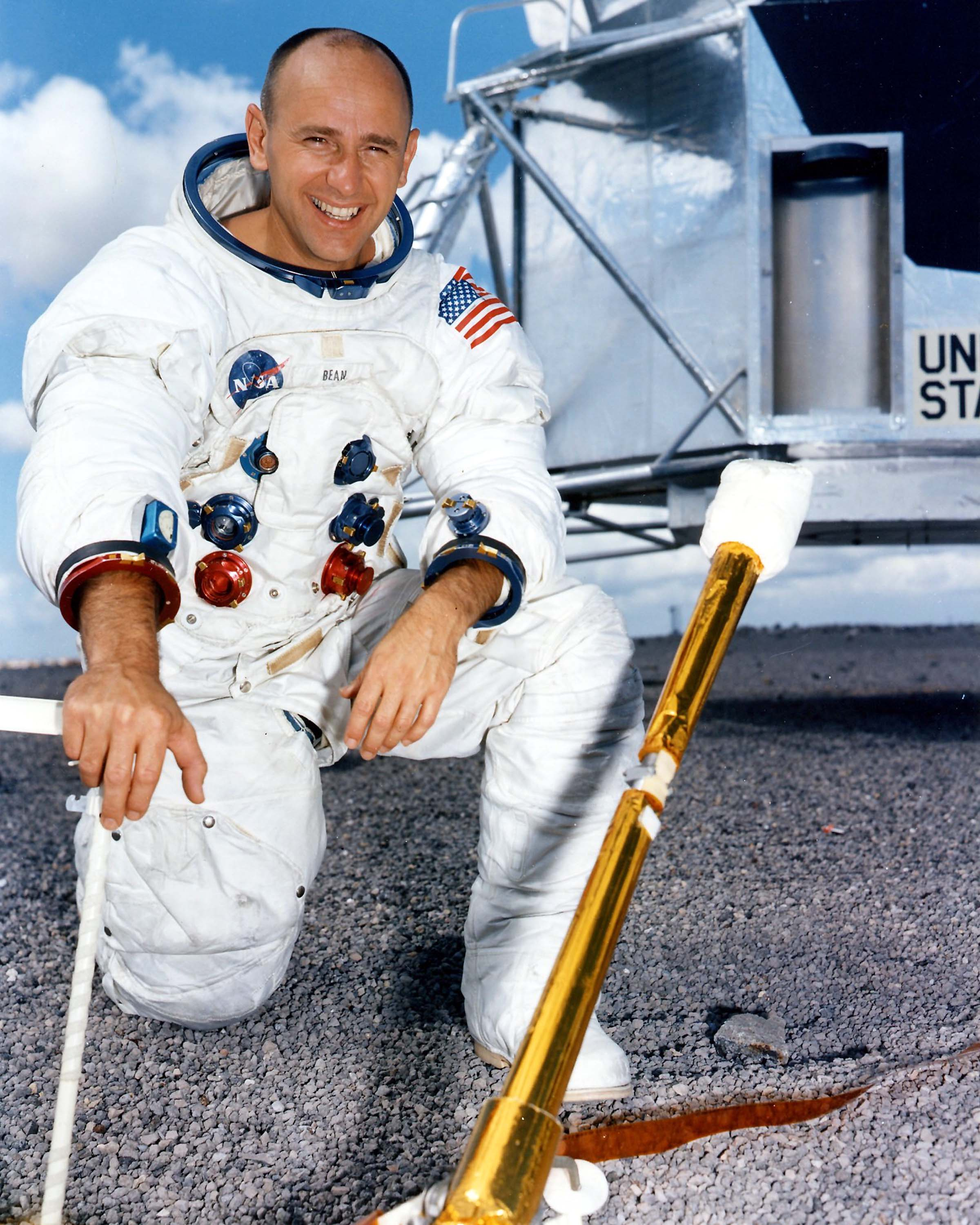 alan bean astronaut - photo #1