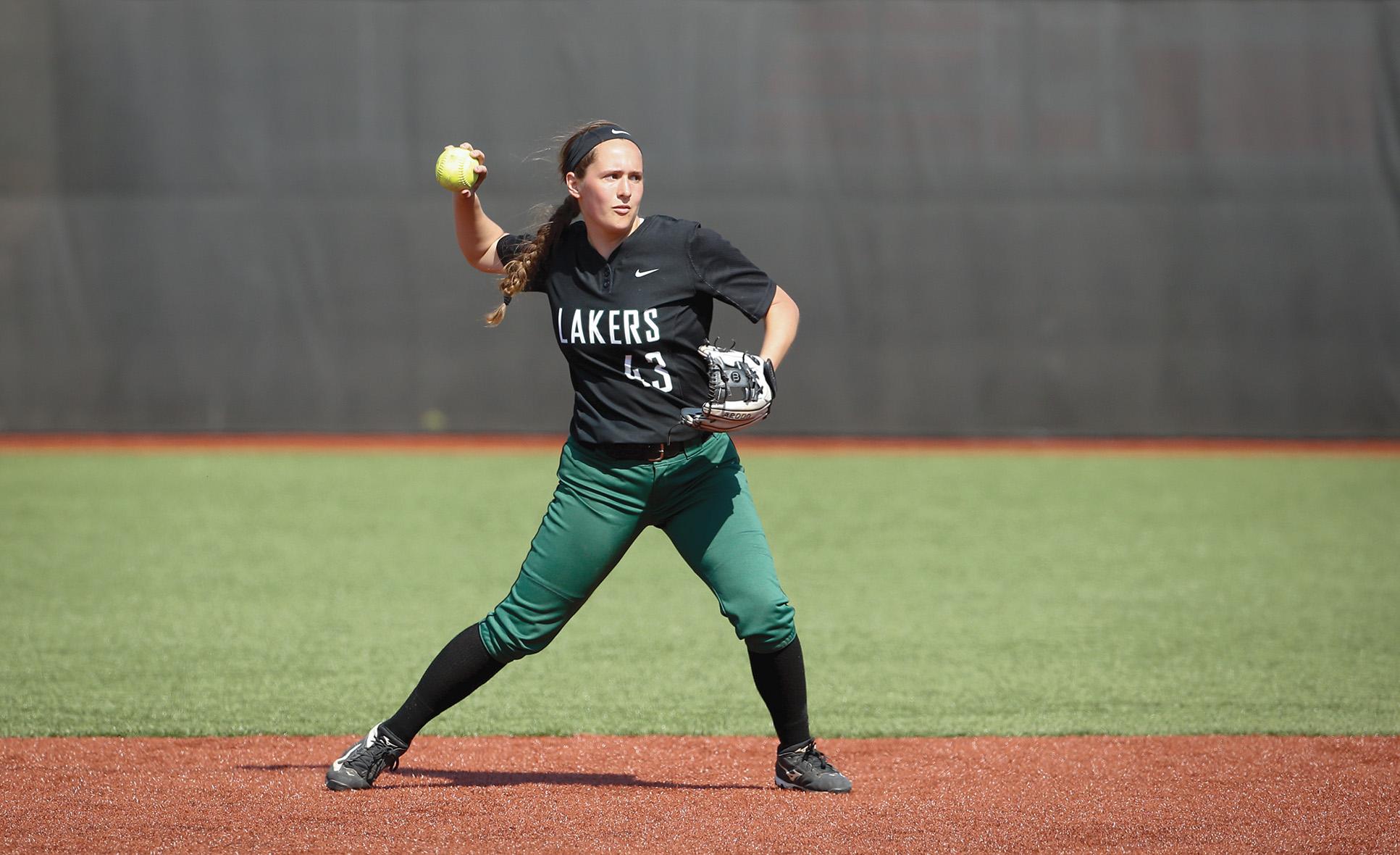 Haley Huss playing softball