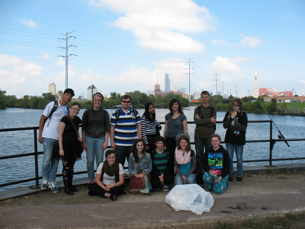 Members of my SUST 240 Waste & Consumption honors seminar (Fall 2014) on a field trip to Canal Origins Park and Bubbly Creek, Chicago IL, Sept 2014 (photo: M. Bryson)
