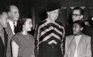 Eleanor Roosevelt with RU students in 1945