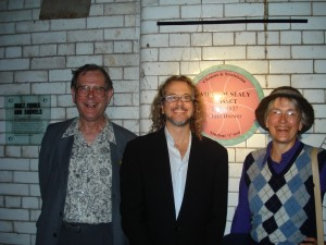 Guinness Storehouse, Barley Room: Steve Ziliak with Gosset's grandchildren, Dermot Roaf and Jane (Roaf) Galbraith, at the Gosset commemorative plaque hanging ceremony, Dublin, Ireland, July 2008