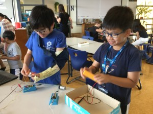 5B preparing for the electrical science showcase.