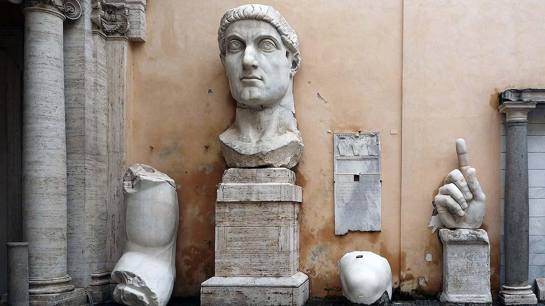 Photo by Steven Zucker, February 19, 2010. The Colossus of Constantine, c. 312–15, Palazzo dei Conservatori, Musei Capitolini, Rome CC BY-NC-SA 2.0