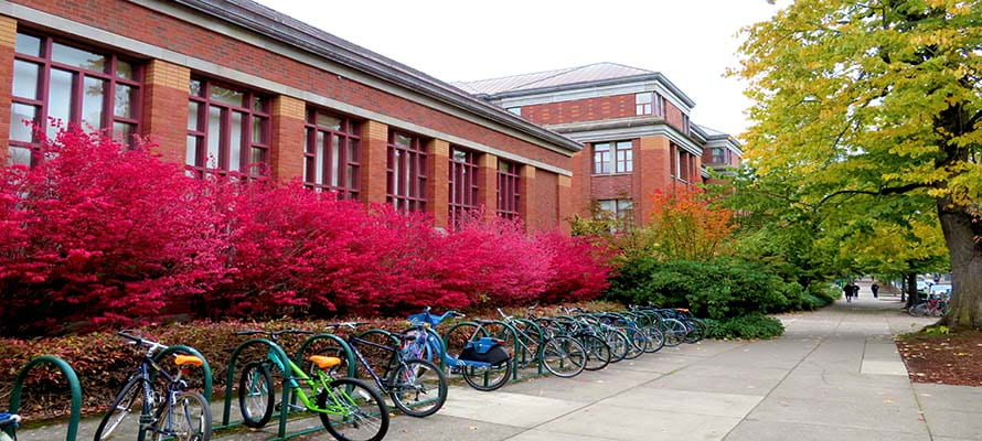 Fall term 2019 at Willamette Hall, Home of the UO Physics Dept.