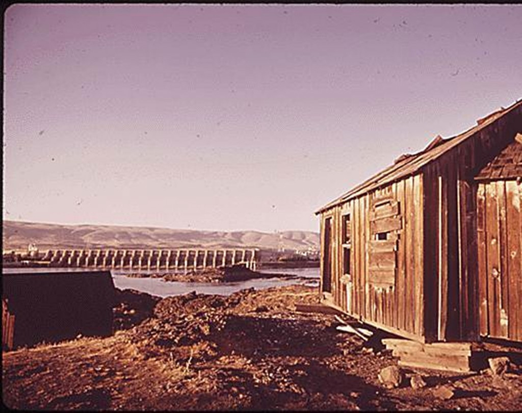 Last remnant of an Indian fishing village on the Washington State side of the Columbia River. The village site is soon to be transformed into a motel complex. (National Archives: Records of the Environmental Protection Agency, DOCUMERICA project.)
