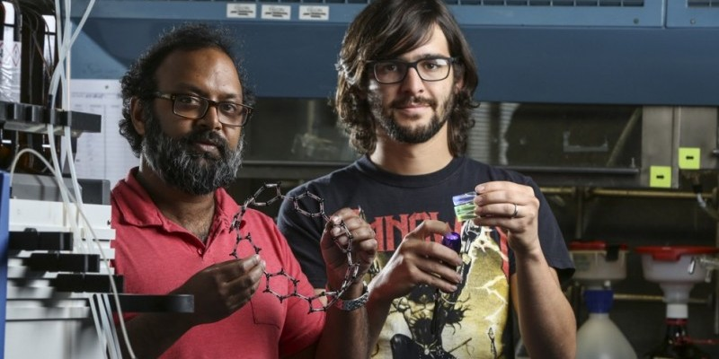 UO chemist Jasti aims to put his nanohoops into future devices