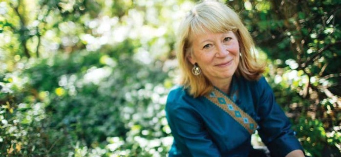 President Obama honors UO chemist Geri Richmond with Medal of Science