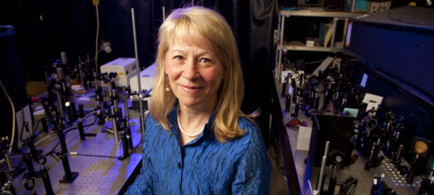 American Chemical Society gives top award to UO's Geri Richmond
