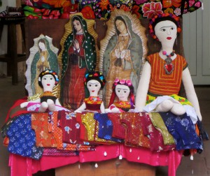 Lupe and Frida. Shop window.  Oaxaca, 2014. (Photo, S. Wood)