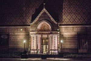 jordan_schnitzer_museum_of_art_at_night