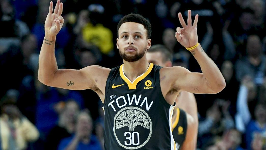 on sale 1b800 8e1dc Steph Curry scores on the court and through his statements ...