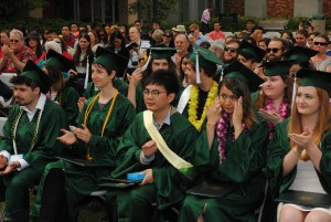 grads clapping with cheng feng