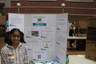 Student presents at the UO Science and Invention Fair