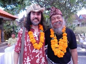 Chilean poet Jesús Sepúlveda and Balinese poet Samar Gantang