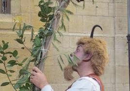 Oviedo resident dressed as a busgosu, Antroxu (Carnaval) 2013