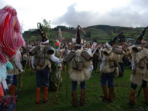 Festival of La Vijanera in Siló, Cantabria. Photo: J.L. Gómez Linares (Wikipedia)