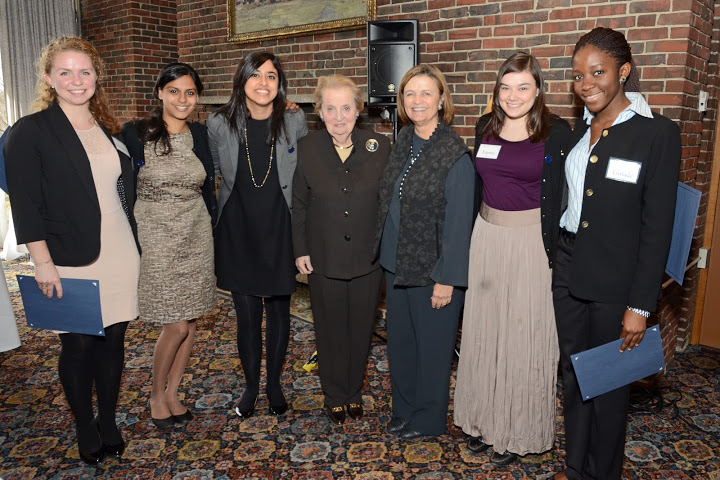 Secretary Albright and Wellesley College President Bottomly with the Iran Focus Group; Maggie, Dhivya, Nuha, Emma and moi
