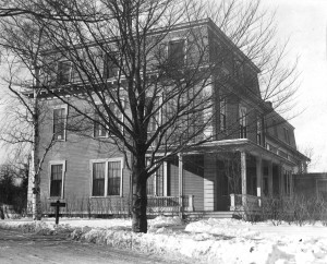 Fiske Cottage. Jane Cary lived in this cooperative dorm her junior and senior years.