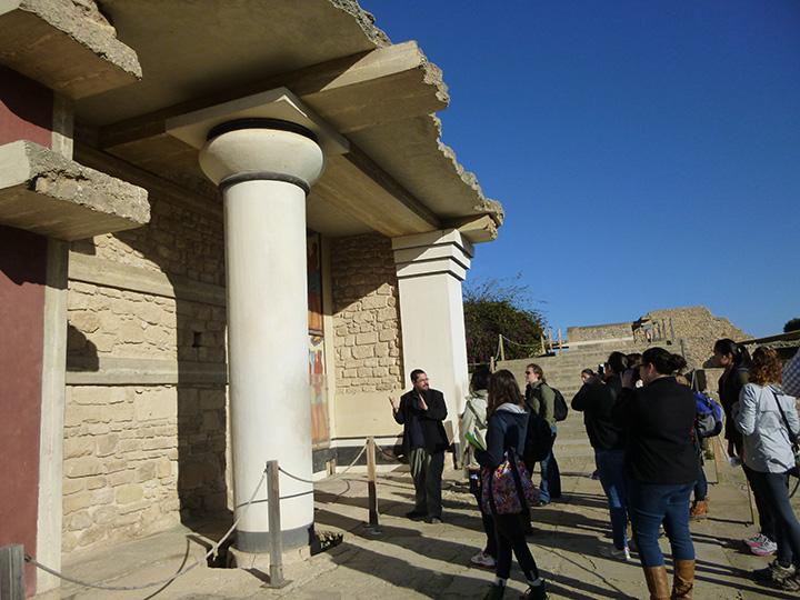 17Jan-Knossos7-column&pillar2-MatthewHaysomSm