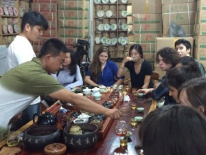 WSSC student learning about tea production at Xiong Da Tea Market_Kunming