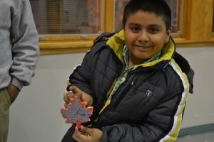 Kids Decorate Leaves and Turkeys