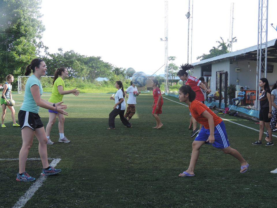 womens-soccer-practice