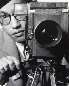 Toyo Miyatake, Self-portrait with Soho Camer