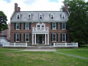 Dartmouth_College_campus_2007-06-23_Alpha_Delta_01