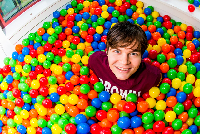 Rice student covers dorm room floor with 13,000 plastic balls