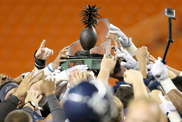 Rice beats Fresno State 30-6 to capture Hawaii Bowl trophy.