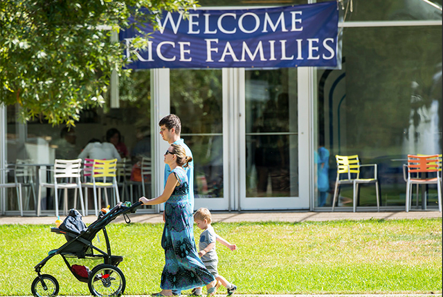 Students' families converged on Rice Oct. 14-16 for Families Weekend 2016. The annual affair included a number of lectures, exhibits, presentations and other events to […]