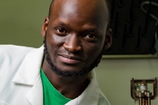Rice University graduate student Peter Owuor in the laboratory