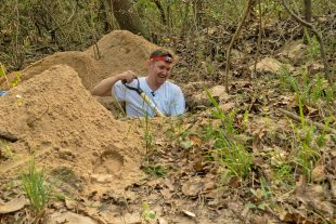 Scott Solomon explores a leafcutter ant colony