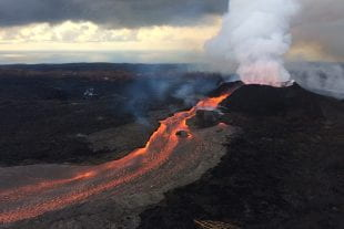 flowing lava on Kilauea in Hawaii in 2018