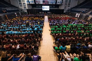 Rice's nearly 1,000 new freshmen gathered in Tudor Fieldhouse Aug. 19 for the traditional faculty address. (Photo by Jeff Fitlow)