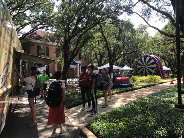 While resume reviews and mock interviews took place inside Huff House with the help of dozens of Rice alumni, recruiters and CCD professionals, food trucks and giant lawn games offered lunch and leisure outside.