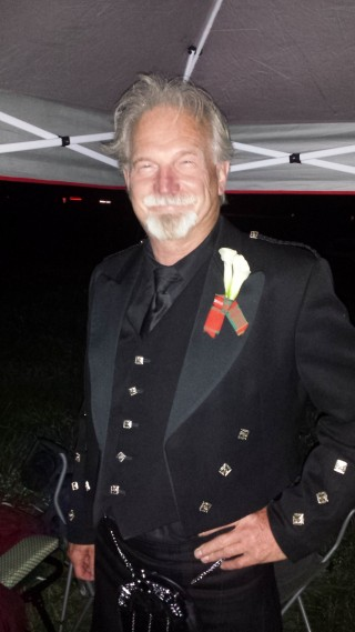 Larry, WJ5V, arrived late Saturday night in a formal kilt… turns out he just got back from his son's wedding… now THAT'S a committed advisor!