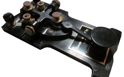 W5YM donates telegraph key to FIFI