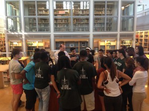 FYSEP students exploring Rauner Library