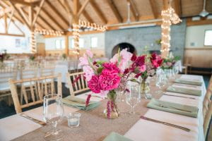 Table settings in lodge