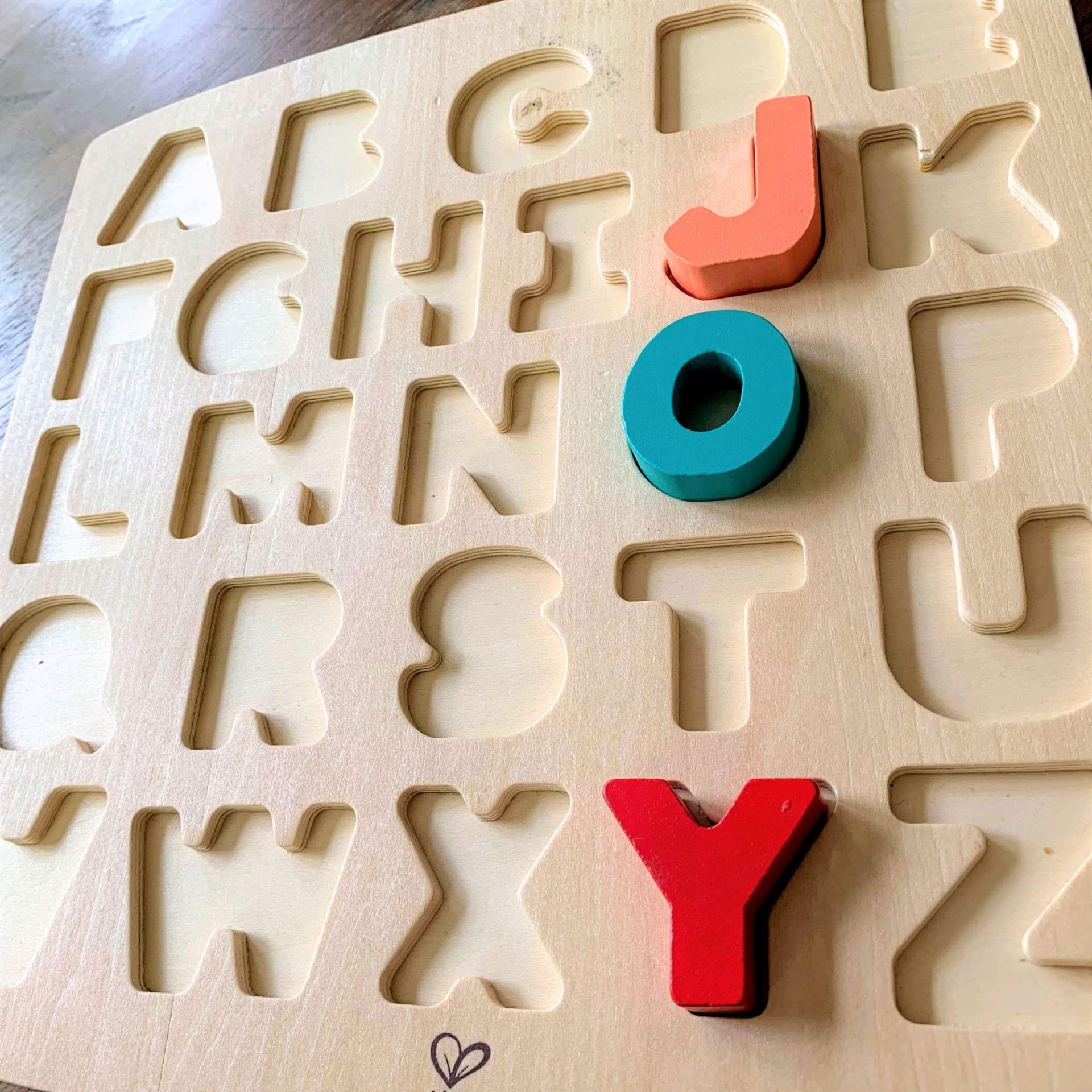 "Puzzle spelling ""Joy"""