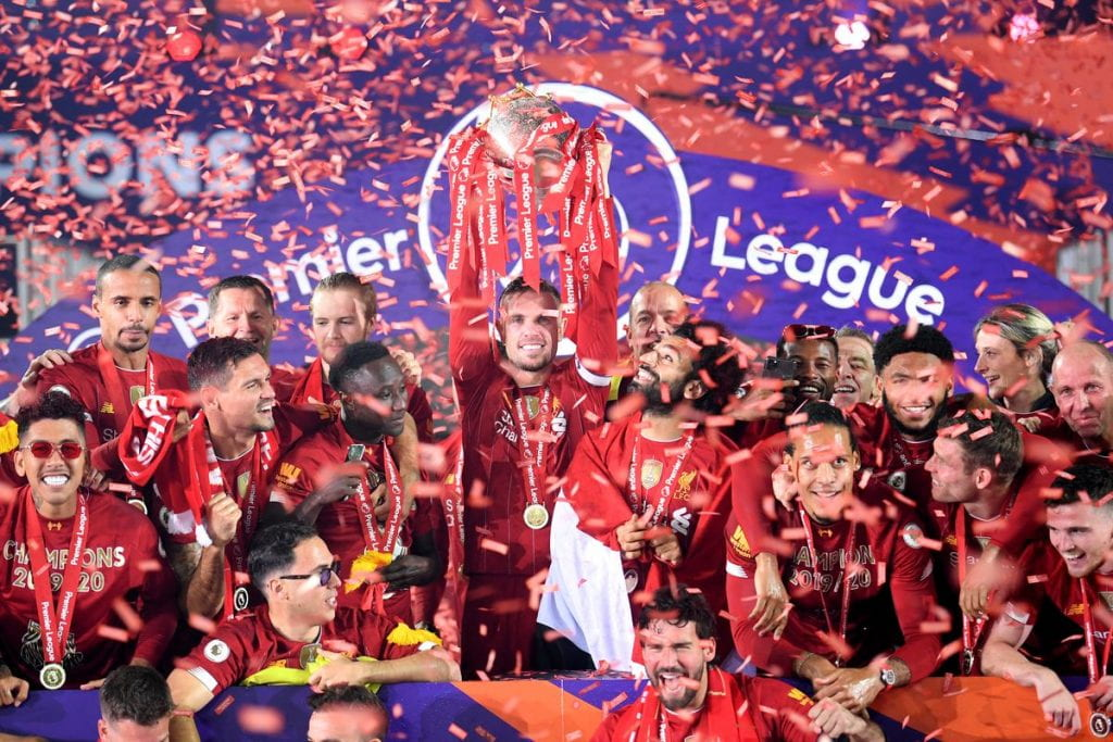 Liverpool FC PL Trophy Lift