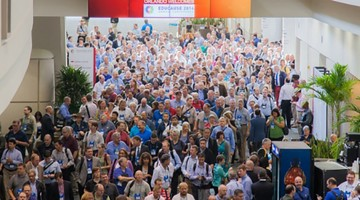 Image of crowds at Educause