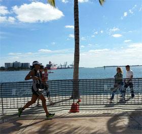 Isabel Olivas running marathon