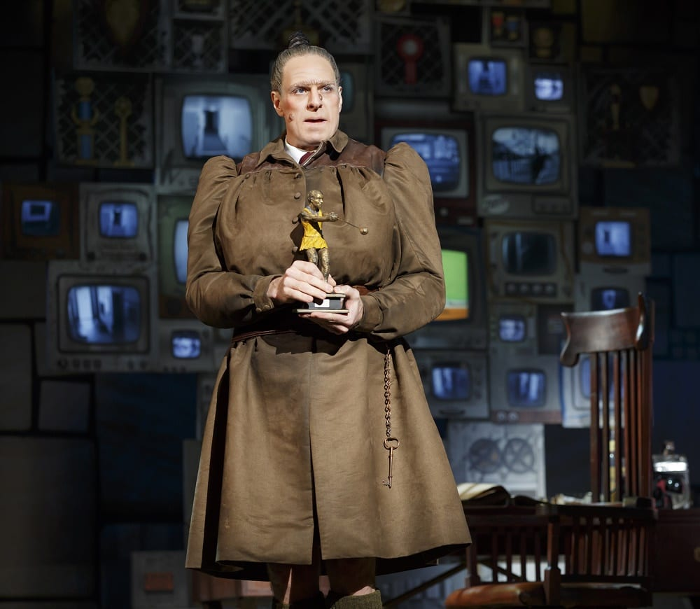 """f1aa4d6b7 Matilda the Musical"""" actor on playing Miss Trunchbull"""
