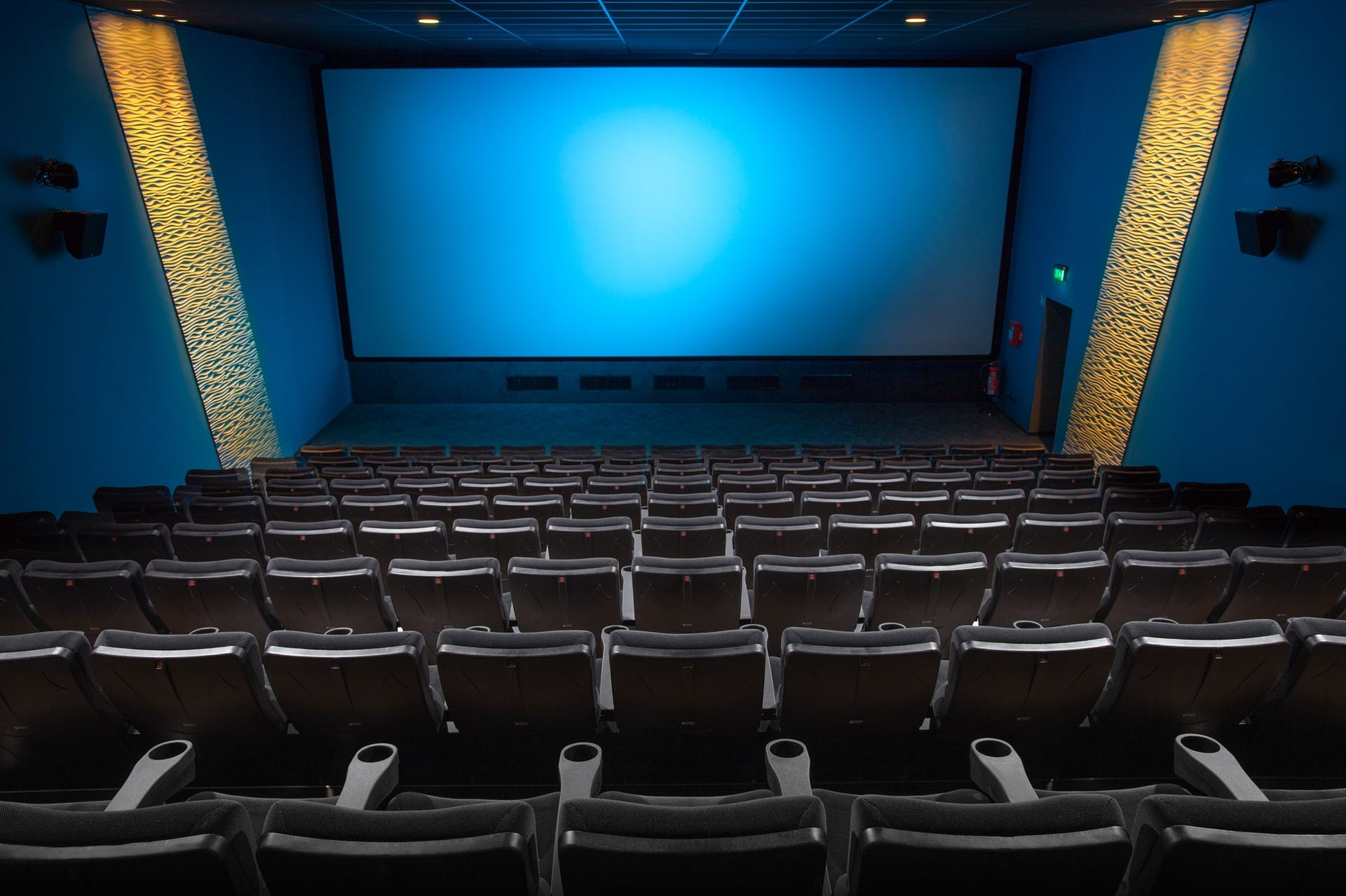 Unspoken rules about movie theater etiquette finally spoken the whether youre an occasional movie goer or practically a seasoned film critic theres a set of unspoken rules that you should follow while at a theater fandeluxe