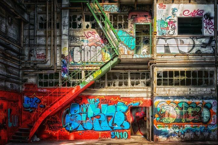 c1280dfb02 Graffiti  Love or Hate