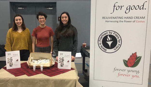 Students put up a booth at Early Accepted Students Day in February to talk about their business lab and to sell the product. From left are Sarah Fuller '23, Angela Mitsuma '23, and Sydney Bogle '23.
