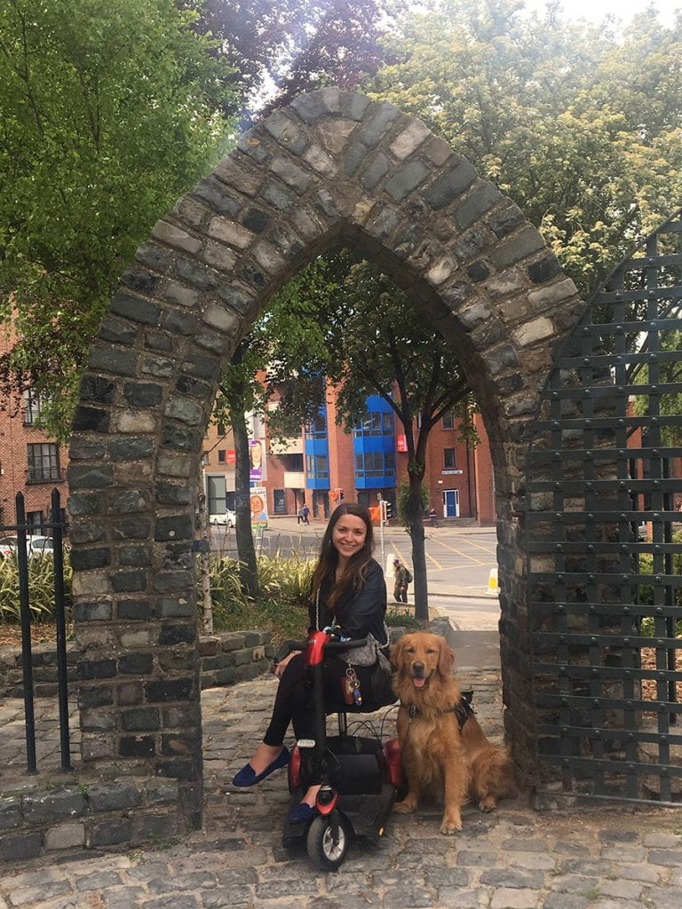 Jacquie Kelley '20 and Moose, the golden retriever, at University College Dublin