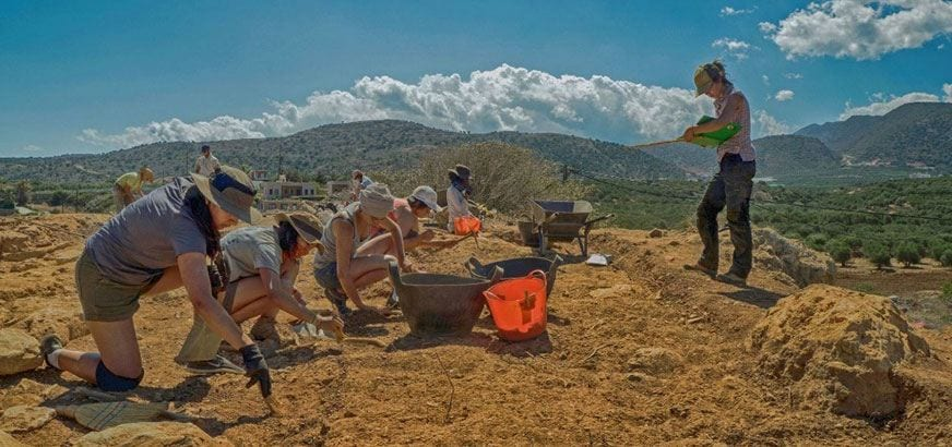 archaeological dig, Nicole in Crete